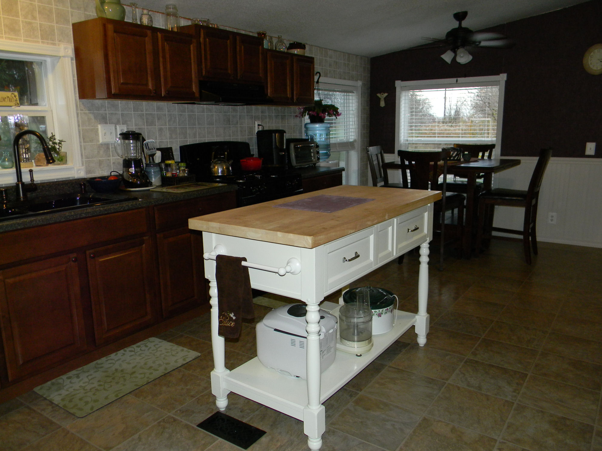Mobile home kitchen remodel my mobile home makeover for Kitchen home remodeling